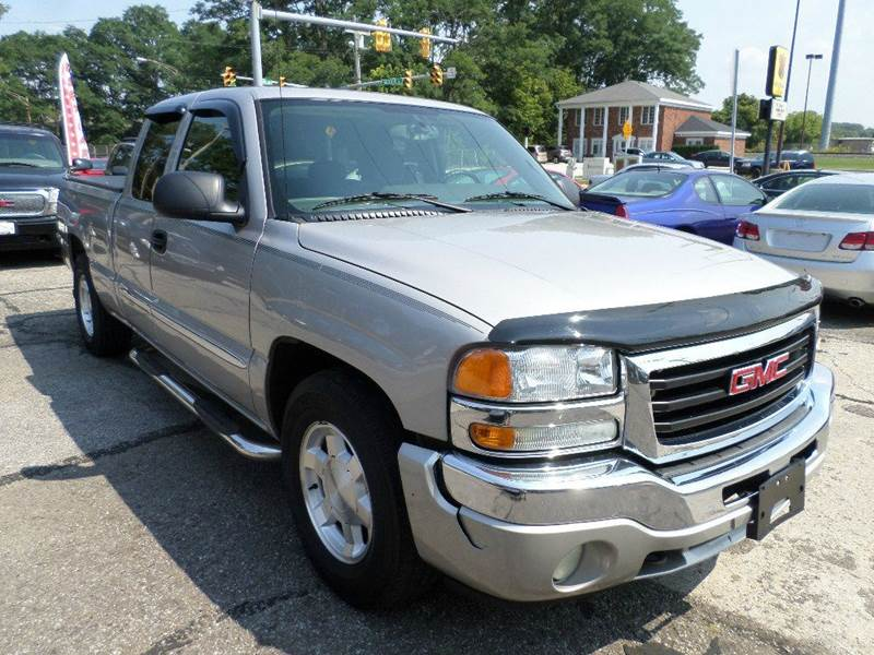 2005 GMC NEW SIERRA 1500 for sale at Action Motors